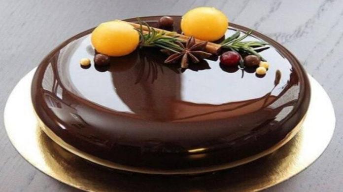 Зеркальная шоколадная глазурь для торта рецепт с фото