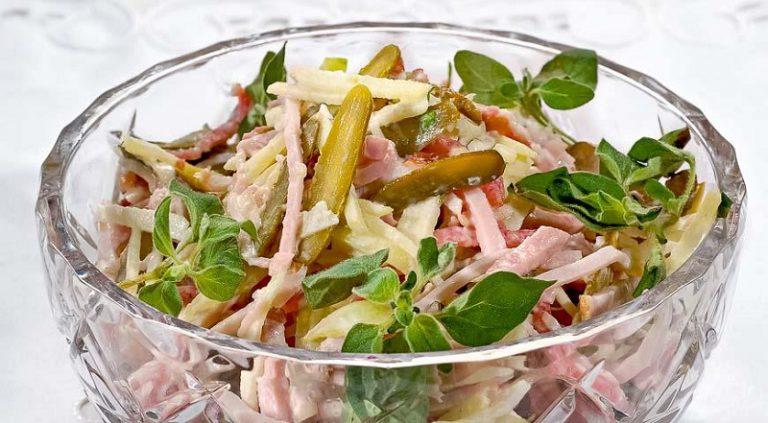 Простой вкусный салат в домашних условиях